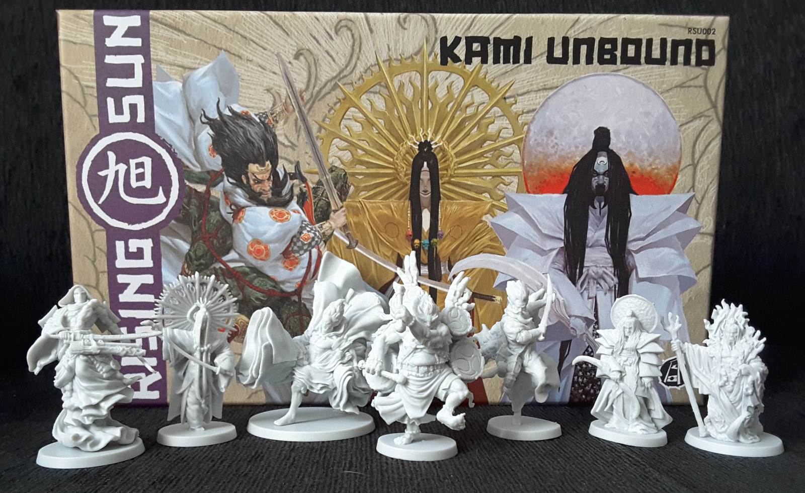 Kami Unbound box and figures